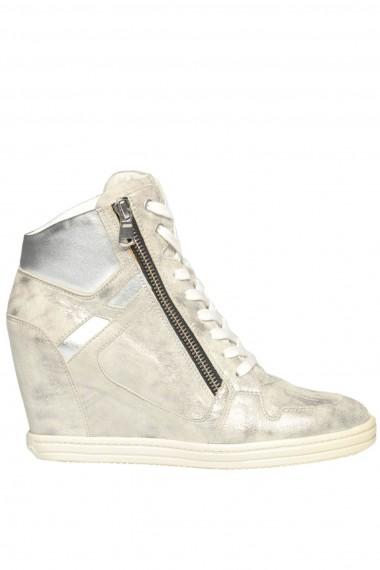 Sneakers in suede con zeppa interna