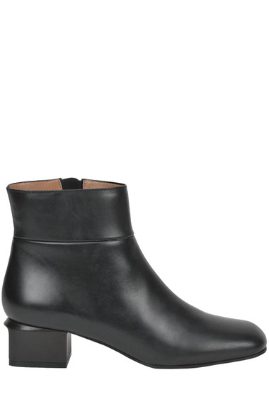 5976c9c0b9 Marni Leather ankle boots - Buy online on Glamest.com - Glamest.com ...