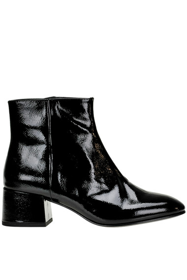 f61f4c982f0 Ash Dragon Bis patent-leather ankle-boots - Buy online on Glamest ...