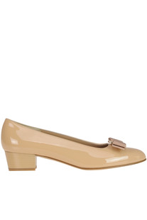 'Vara' patent-leather pumps Salvatore Ferragamo