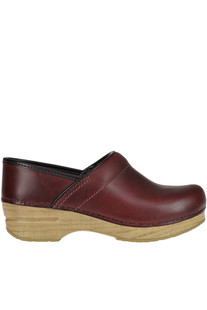 'Professional oiled' clogs Dansko
