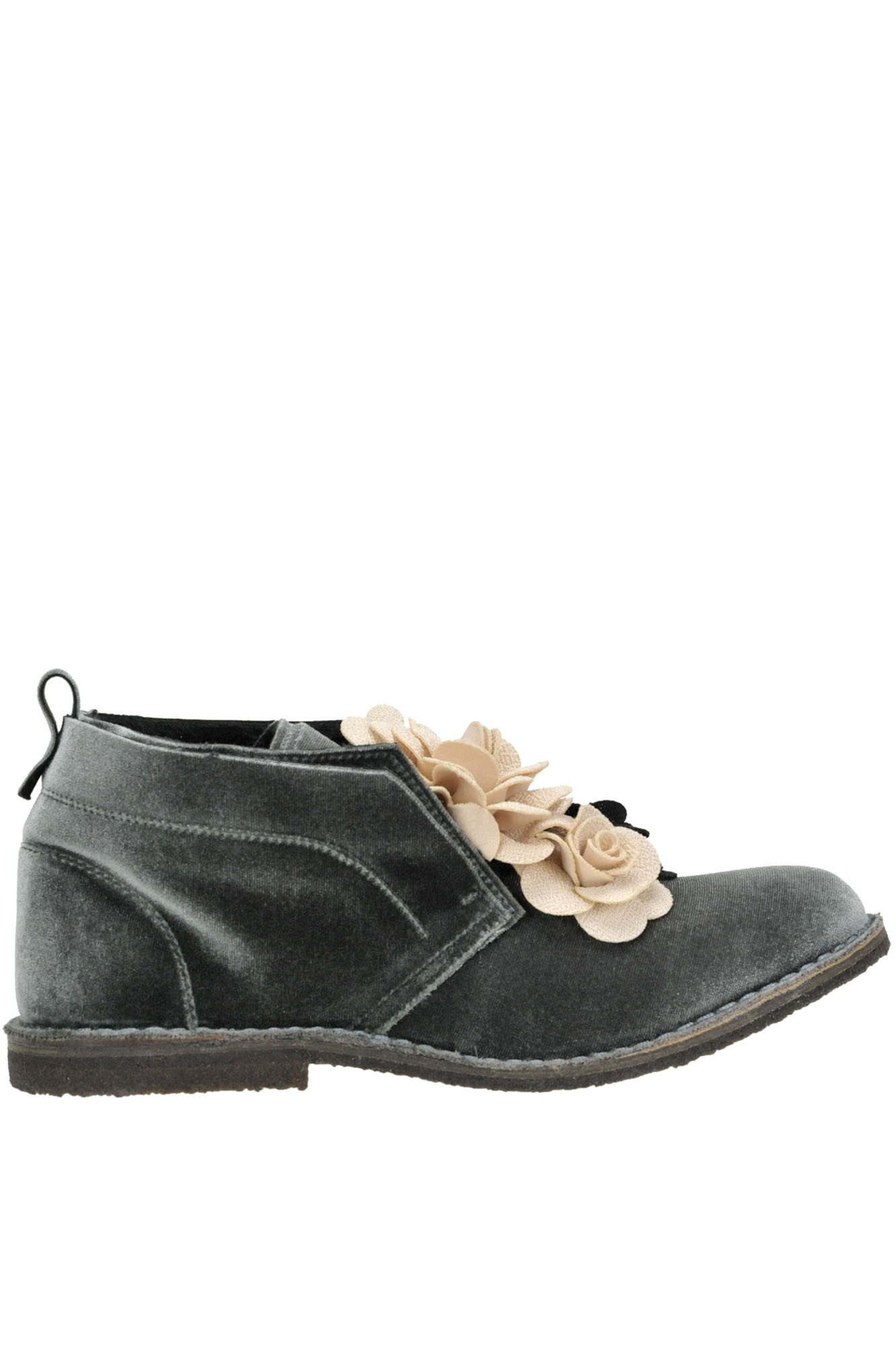 POKEMAOKE Flower Applications Velvet Shoes in Grey