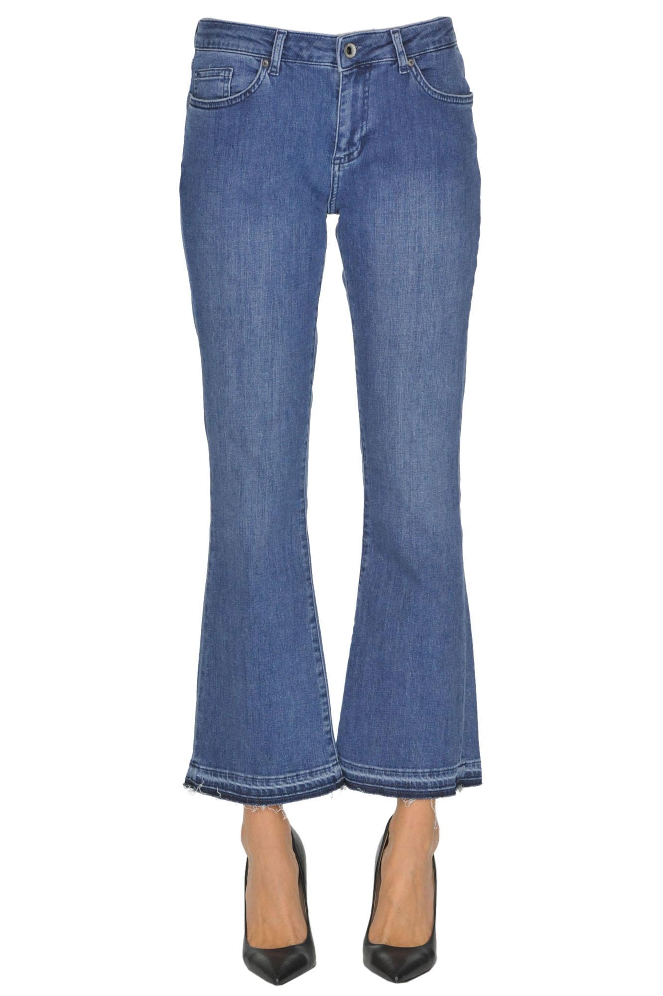 star-monique-jeans-supplies-the-assholes-outta