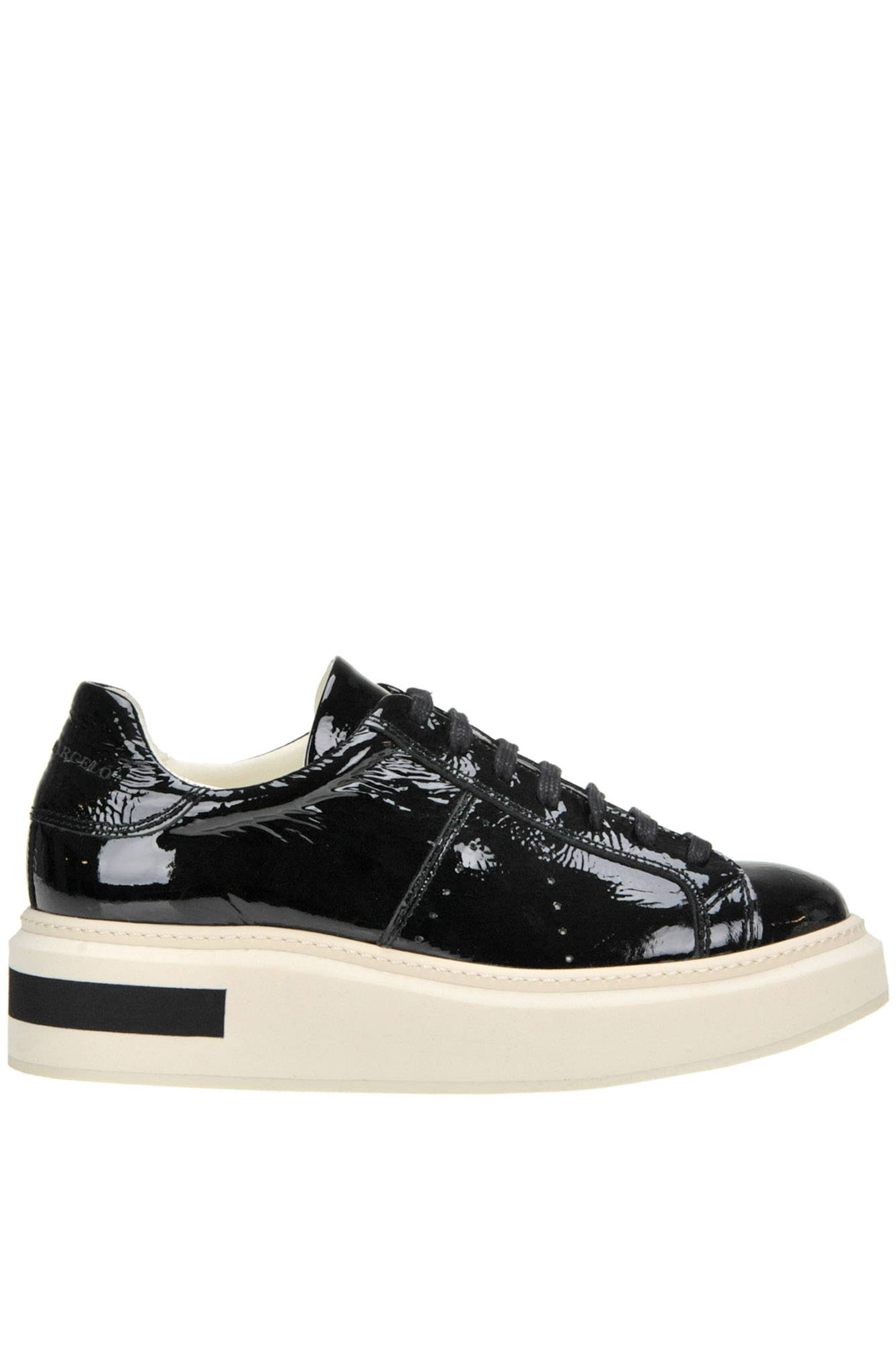 Mitte Round Sneakers in Black